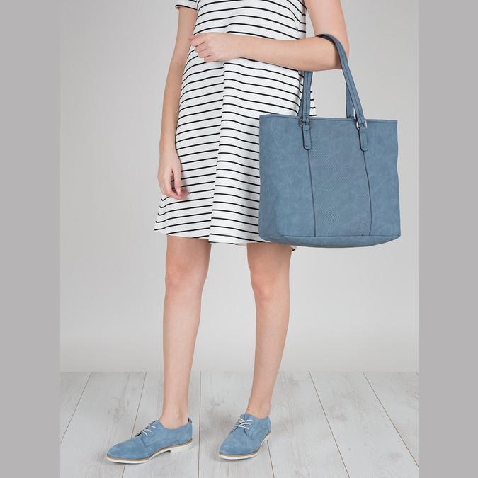 Blaue Handtasche mit perforiertem Detail bata, Blau, 961-9711 - 17